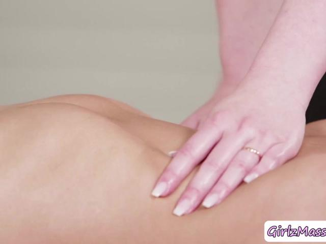 Masseuse Daisy Stone massage Eliza Ibarra so romantic and eats her wet pussy