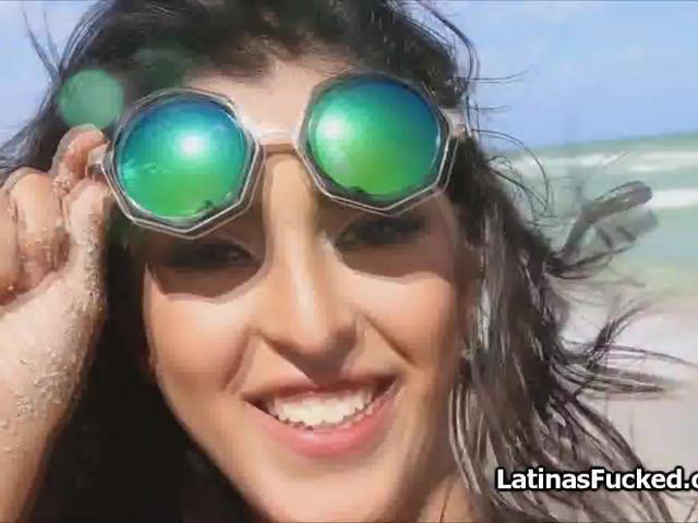 Sloppy blowjob by oiled Latina bikini teen beauty