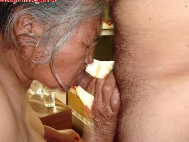 HelloGrannY Closeups of Amateur Granny Latinas