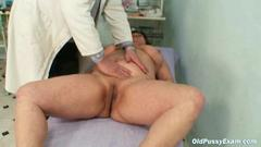 That older woman gets her vagina examined by a pervy ...