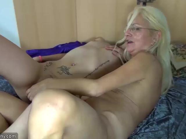 OldNannY Sexy Mature Granny Dari And Teen Lesbian