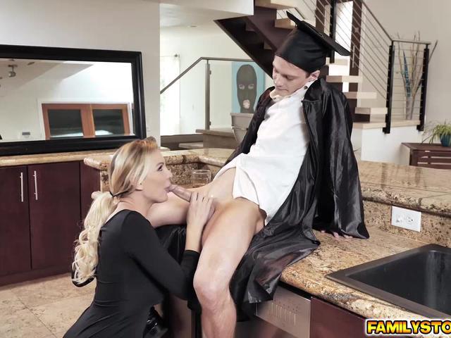Stepmom Kenzie Taylor gives stepson a blowjob reward