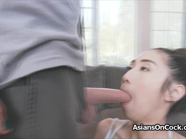 Drilling Asian ballerinas beautiful face and pussy