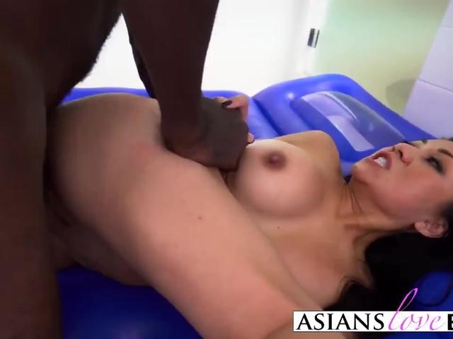 Black dude banging hot Asian girl