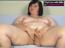Chubby Brunette Babe Works Twat All Alone