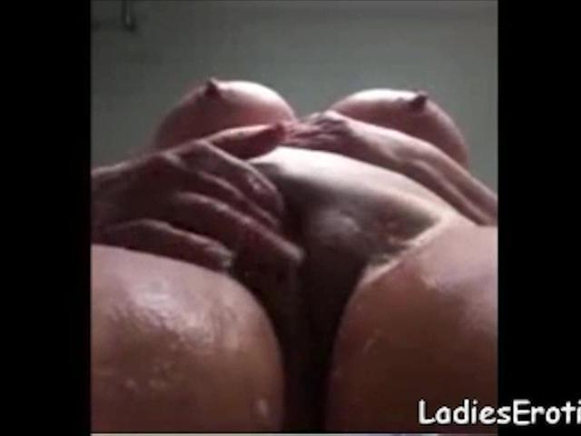 LadiesErotiC Homemade Bathroom Erotic Video