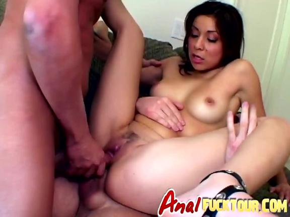 Dark haired babe gets double penetration in threeway