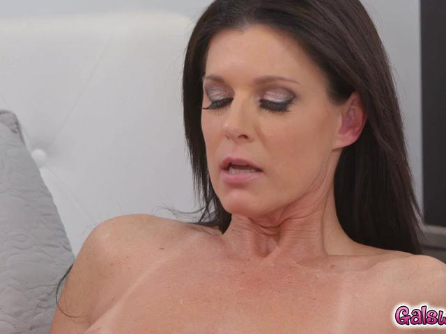 India Summer cant resist and  falls from Sabinas charms and clit