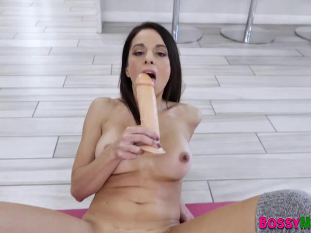 Fetish milf sucks her toe and toys pussy