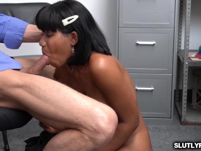 Ebony babe Jenna Foxx big tits jiggles as she bounce