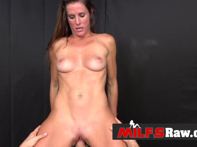 AMATEUR sex with naughty MILF who loves cameras and POV