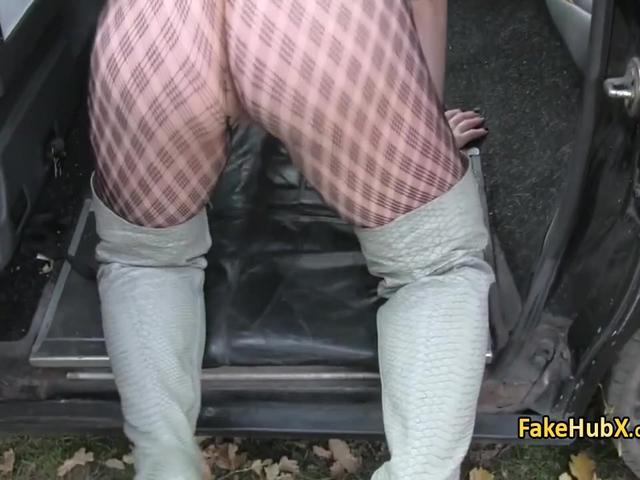 Stockings slut bang pussy in taxi