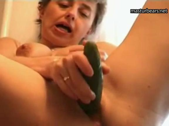 Extreme kitchen solo granny Maria 58