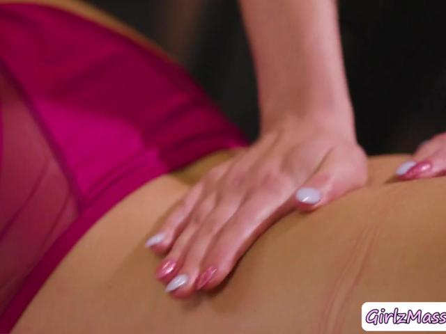 Lovely Abella Danger gets her pussy licked by Masseuse Haley Reeds
