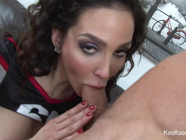 Sexy Amy Anderssen fucks her personal trainer