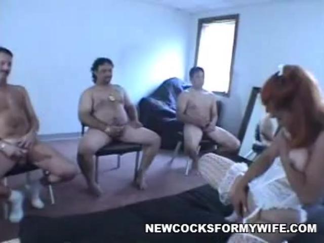 MILF's Live Sex Show