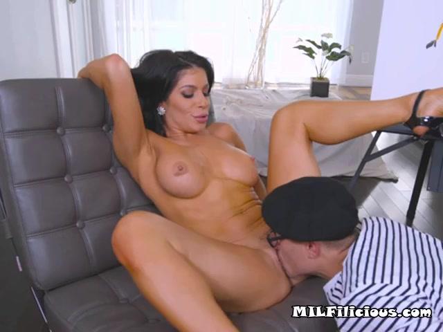 Foxy Cougar Nikki Capone Enjoys Big Cock Of Painter