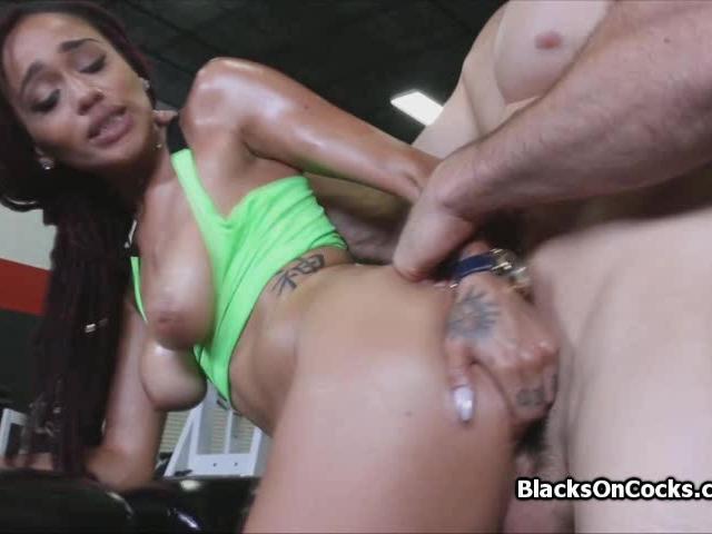 Banging big tit black after workout