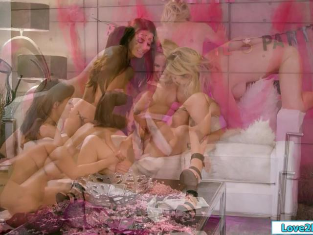Busty milfs have an orgy pussy licking