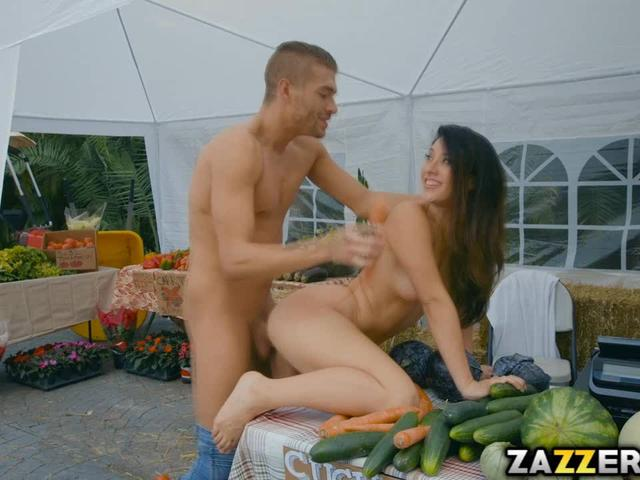 Xander satisfy Eva's mouth and pussy wih his rock cock