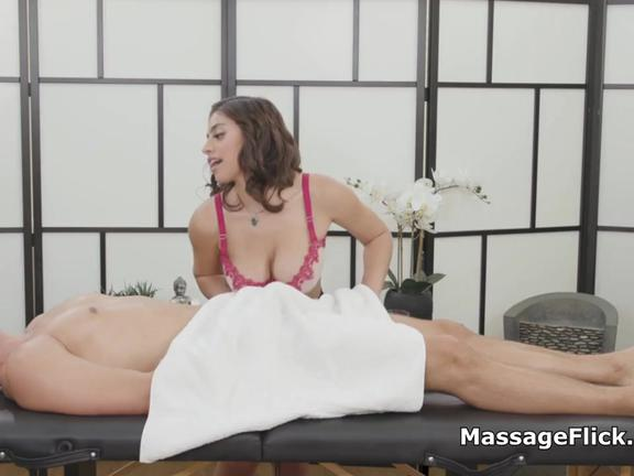Masseuse pleases cock with huge all natural tits
