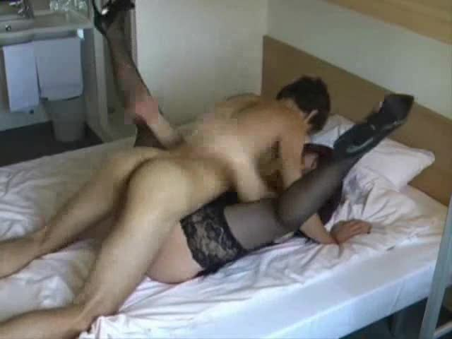 Mom Fucks A In-experienced Cock!