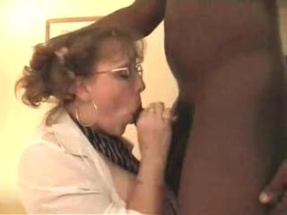 UK Respectable Lady Begs For Throbbing Chocolate Pole